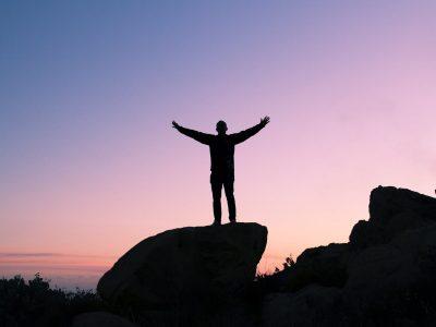 10 משפטי מוטיבציה והשראה להצלחה של האנשים המצליחים בעולם