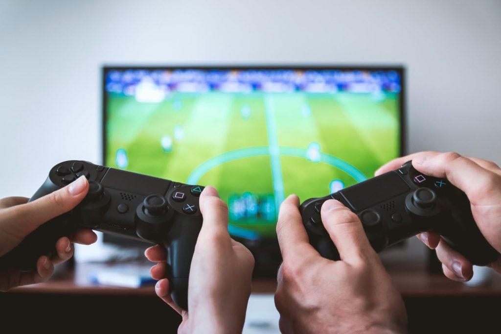 איך להרוויח כסף ממשחקים דרך האינטרנט