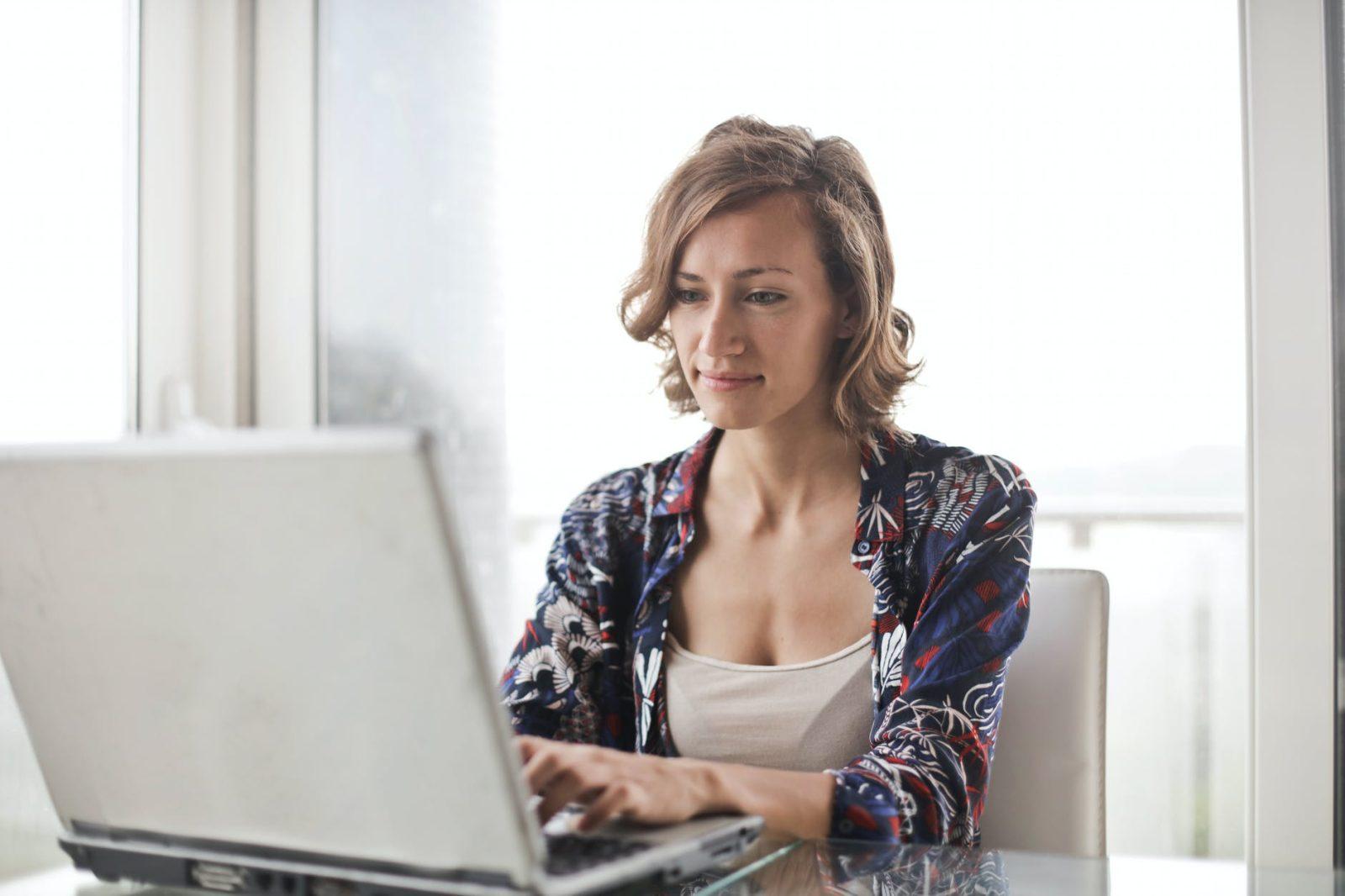 מה הם היתרונות בפתיחת עסק מהבית