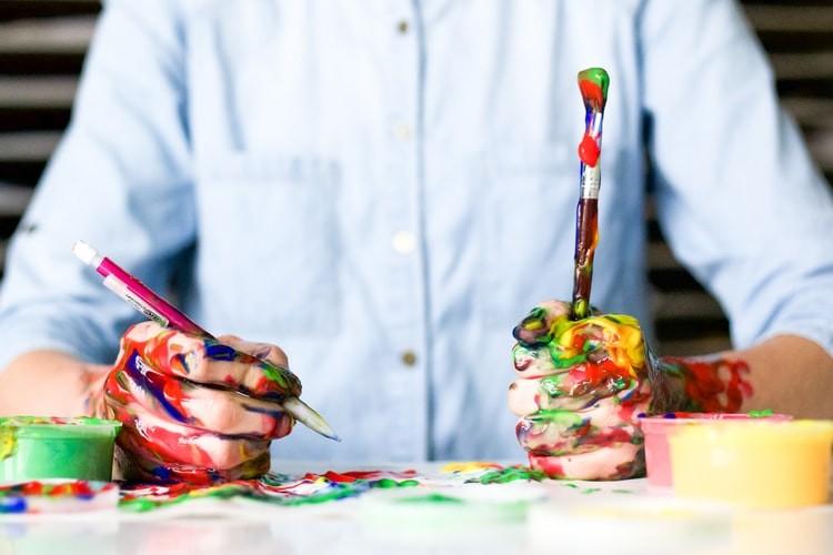 טיפים לפיתוח היצירתיות ומה משפיע על עליה