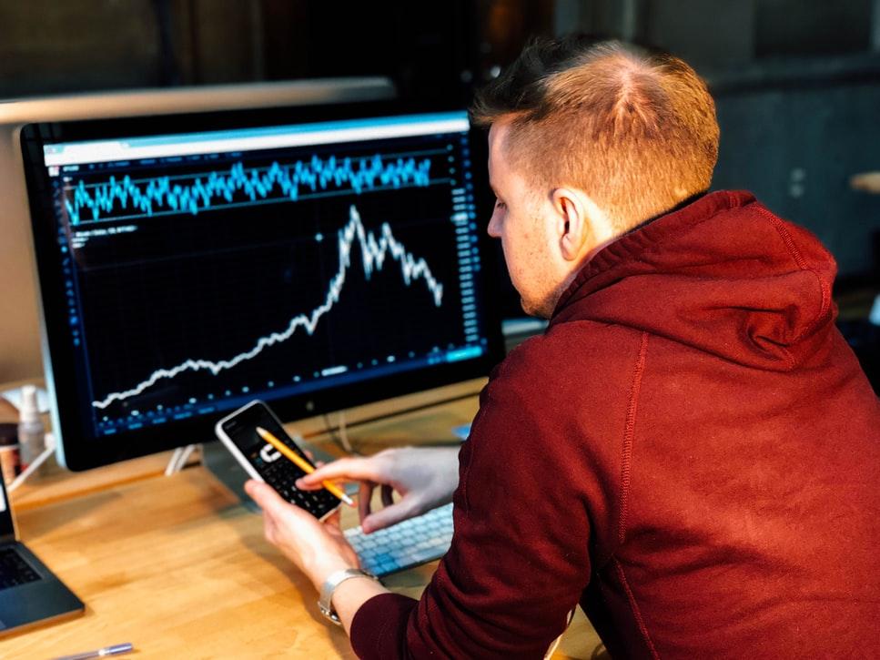 """מהו מסחר בפורקס (מט""""ח) ואיך עושים מזה כסף"""
