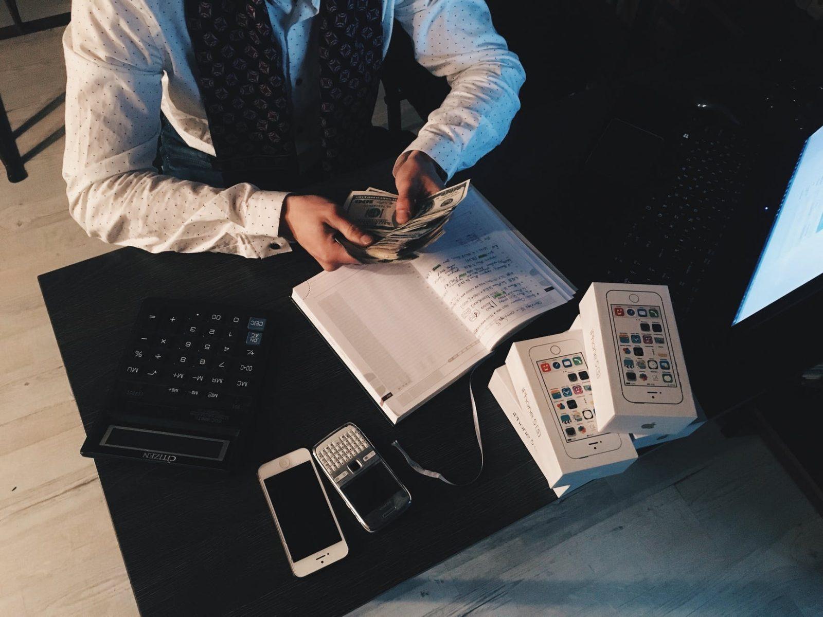 3 טיפים: רוברט קיוסאקי – תזרים המזומנים (אבא עשיר – אבא עני)