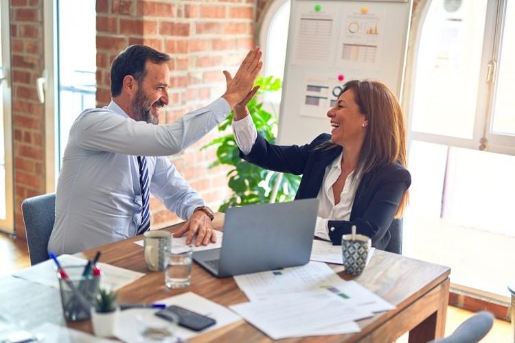 7 הרגלים של (יזמים) אנשים מצליחים