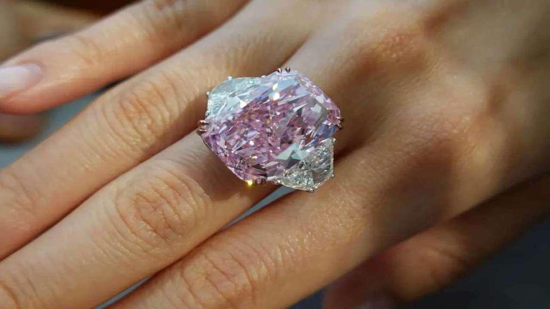 חושב להציע נישואין? היהלום הכי יקר בעולם